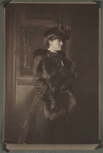 Edith_Newbold_Jones_Wharton_in_hat_with_fur_muff